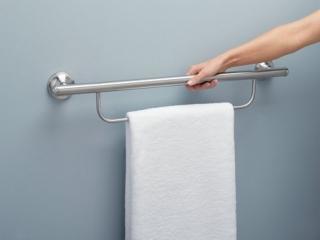 set_shots_4380-grab-bar-w-towel-and-arm
